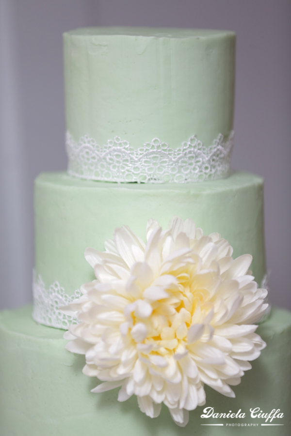 vancouver wedding cake detail photography